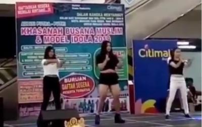 Viral Video Penampilan Dancer Seksi di Acara Islami, Netizen: Negara  62 Ada Saja Idenya