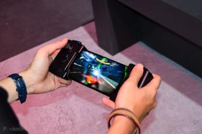 Asus Tengah Kerjakan ROG Phone Generasi Kedua?