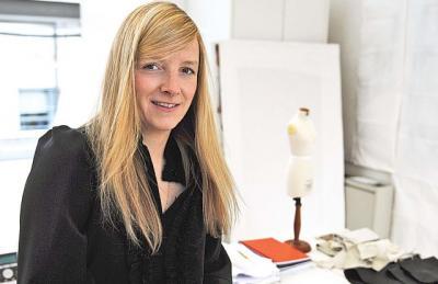 Sarah Burton, Desainer Top Asal Inggris sang Penerus Maestro Fashion