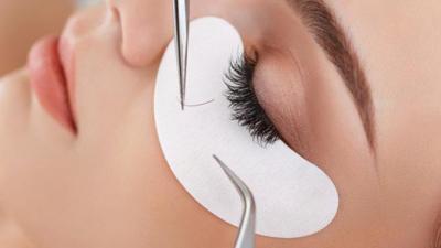 Pasang Eyelash Extension Bisa Bikin Bulu Mata Asli Gundul?