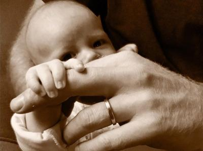 Pangeran Harry-Meghan Markle Rilis Foto Wajah Archie di Hari Ayah, Mirip Siapa?