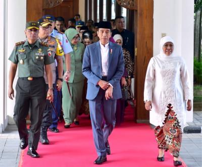 Presiden Jokowi Bagi-Bagi 3.000 Sertifikat Tanah di Gresik