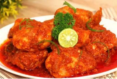 Ini Resep Lezat Balado Ayam dan Telur