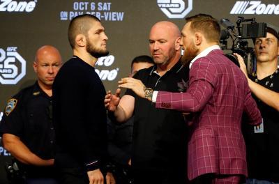 Presiden UFC Tak Keberatan McGregor Hadir di Duel Khabib vs Dustin