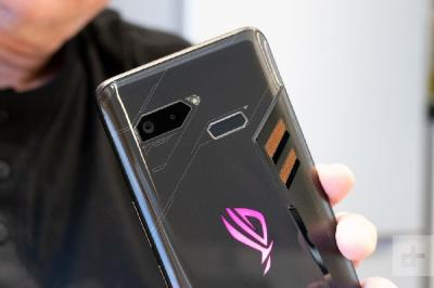 Asus Jelaskan Alasan ROG Phone Belum Dijual di Indonesia
