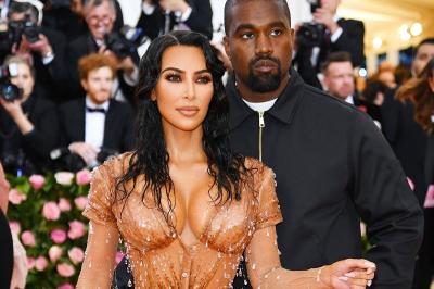 Terjun ke Bisnis Underwear, Kim Kardashian Rilis Kimono Body
