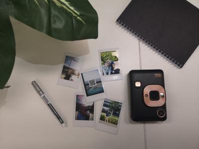 Menjajal Instax Mini LiPLay, Kamera Mungil Besutan Fujifilm