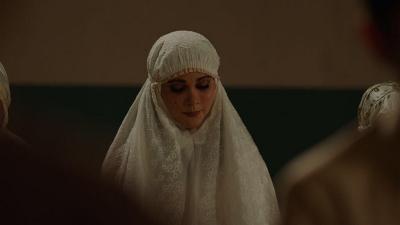 Sinopsis Film Suzzanna: Bernapas dalam Kubur