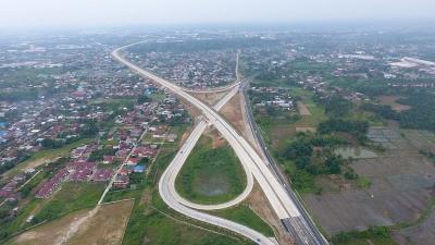 Jokowi Ingin Sambungkan Bandara hingga Tol ke Sentra Produksi Rakyat, Ini Kata PUPR