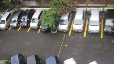Miliki Mobil Tanpa Garasi Kena Denda Rp20 Juta