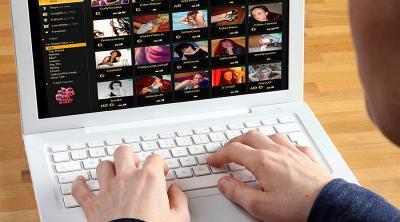 Kecanduan Masturbasi sambil Nonton Video Porno, Ini Bahayanya