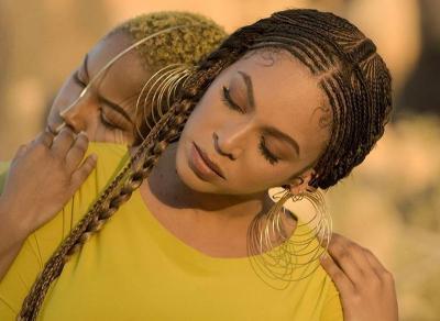 Pakai Baju Karya Desainer Lebanon, Beyonce Anggun Bawakan Lagu Lion King