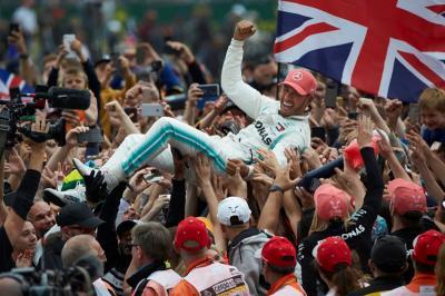 Karier Hamilton Bakal Tamat jika Pindah ke Ferrari