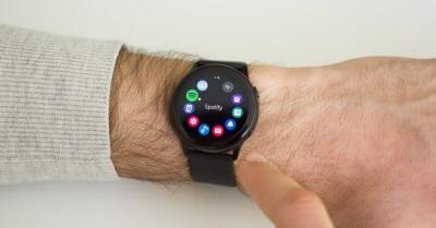 Samsung Galaxy Watch Active 2 Usung Fitur Bezel Sentuh