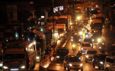 Cara Berkendara Aman saat Mati Lampu di Malam Hari