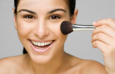 Tips Makeup, Memulas Cushion dan Blush On agar Pipi Tidak Terlihat Chubby