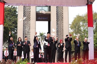 Merdeka, BI Luncurkan Standar QR Code Indonesia