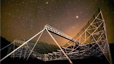 Astronom Kanada Temukan 8 Sinyal Misterius dari Luar Angkasa