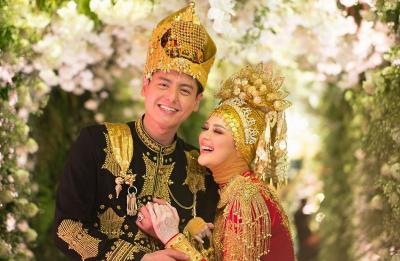 Akad Nikah, Cut Meyriska dan Roger Danuarta Pilih Gaun Spesial hingga Adat Aceh