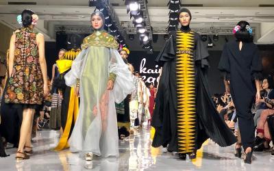 Napas Kekinian Wastra Nusantara Koleksi 6 Desainer di JFFF 2019