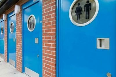 Kota Ini Bikin Toilet Anti-Seks, Nekat Mesum Langsung Terguyur Air Pancuran