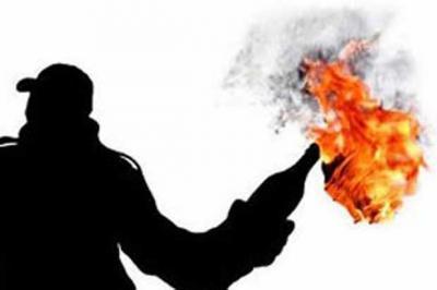 Kantornya Dilempar Molotov, Golkar Lapor ke Polisi