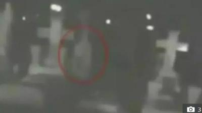 Tertangkap Kamera, Ini 4 Penampakan Hantu di Pemakaman