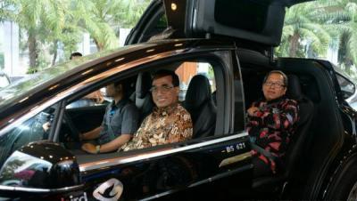 Nilai Plus Mobil Listrik di Mata Menhub
