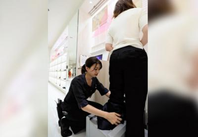 Toko di Jepang Sediakan Sepatu Hak Tinggi Anti Rasa Sakit
