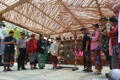 Diiringi 400 Penari Rejang Kesari Kolosal, Festival Jatiluwih 2019 Resmi Dibuka