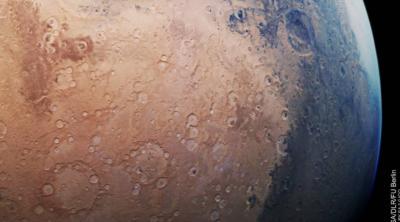ESA Tangkap Gambar Mars yang Diselimuti Warna Biru