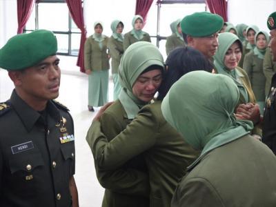 3 Anggota TNI yang Diberhentikan dari Jabatannya karena Unggahan sang Istri