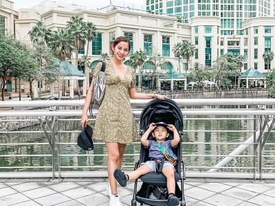 Seksinya Hot Mom Kirana Larasati Ajak Anak Liburan ke Singapura