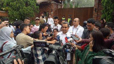 Pantun Sekjen Gerindra: Pada Akhirnya Prabowo Bersama Jokowi