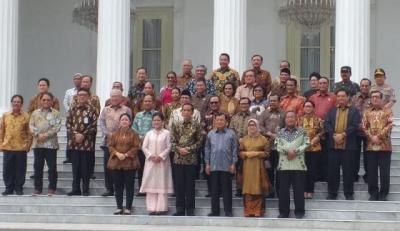 Jokowi Minta Maaf Sering 'Teror' Para Menteri