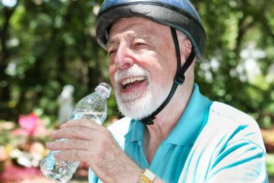 Ini Tanda-Tanda Anda Kebanyakan Minum Air Putih!