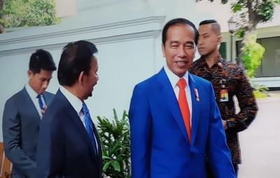 Berjas Biru, Jokowi Terima Kunjungan Sultan Hassanal Bolkiah dan Pangeran Mateen di Istana