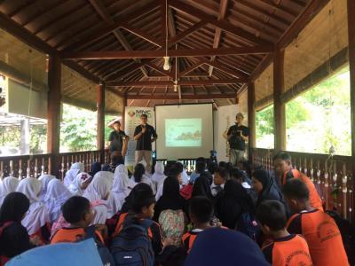 Gandeng Sekolah Sungai Ciliwung, MNC Bank Edukasi Pentingnya Menabung