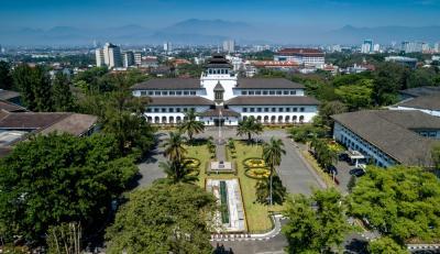 Catat! 5 Tempat Seru dan Menarik untuk Traveling di Dekat Stasiun Bandung