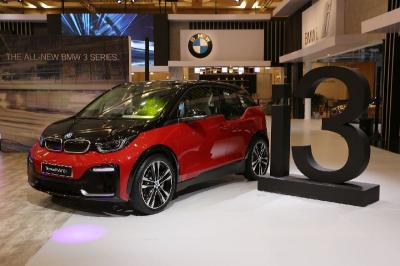 BMW Batal Suntik Mati Mobil Listrik i3, Ini Alasannya