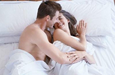 7 Makna Ciuman saat Bercinta, Anda Suka yang Mana?