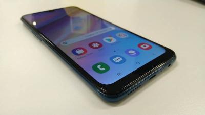 Samsung Galaxy A10s, Ponsel Dual Kamera dengan Fitur Keamanan Biometrik