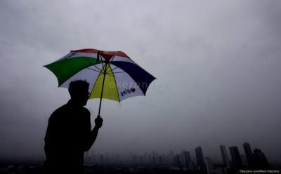 BMKG Ramal Jakarta Bakal Hujan Deras, Yuk Ikuti 7 Tips Ini Biar Tak Sakit