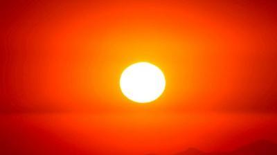 """Fenomena Langka, Planet Merkurius """"Lintasi"""" Matahari Hari Ini"""