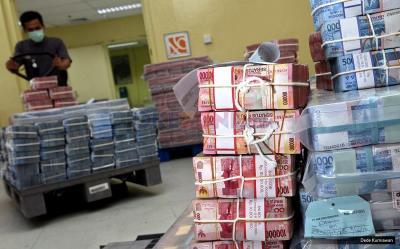 Rupiah Bergerak Landai di Tengah Lesunya Dolar