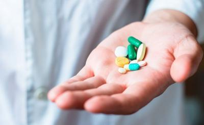 Hari Kesehatan Nasional, Menkes Soroti Masih Tingginya Harga Obat