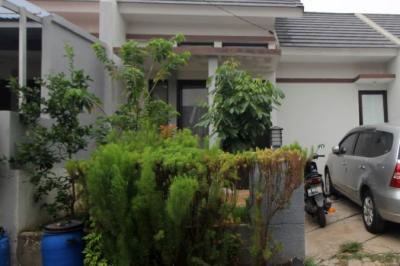 Densus 88 Geledah Rumah Terduga Teroris di Depok, Sita Laptop & 15 Handphone