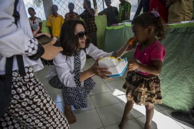 Tingkatkan Kesehatan & Pendidikan, Kartika Soekarno Blusukan ke Daerah Terpencil