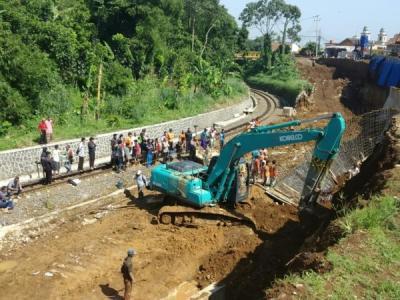 Longsor di Proyek Rel Ganda Bogor-Sukabumi, 3 Terluka