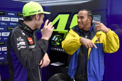 Berencana Tukar Kendaraan, Hamilton Tak Sabar Tunggangi Motor Rossi